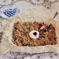 Gluten-Free, Sugar Free, Healthy Apple and Berry Breakfast Crumble
